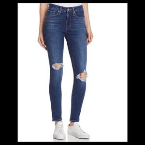 Levi's 721 High Rise Skinny Jeans bustes knee 26